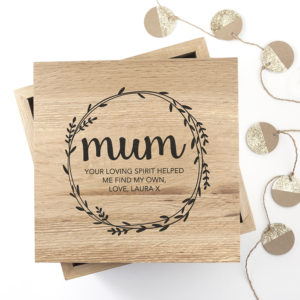 Personalised Wreath Mother's Day Large Oak Photo Cube